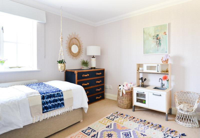 Global boho kids bedroom makeover -