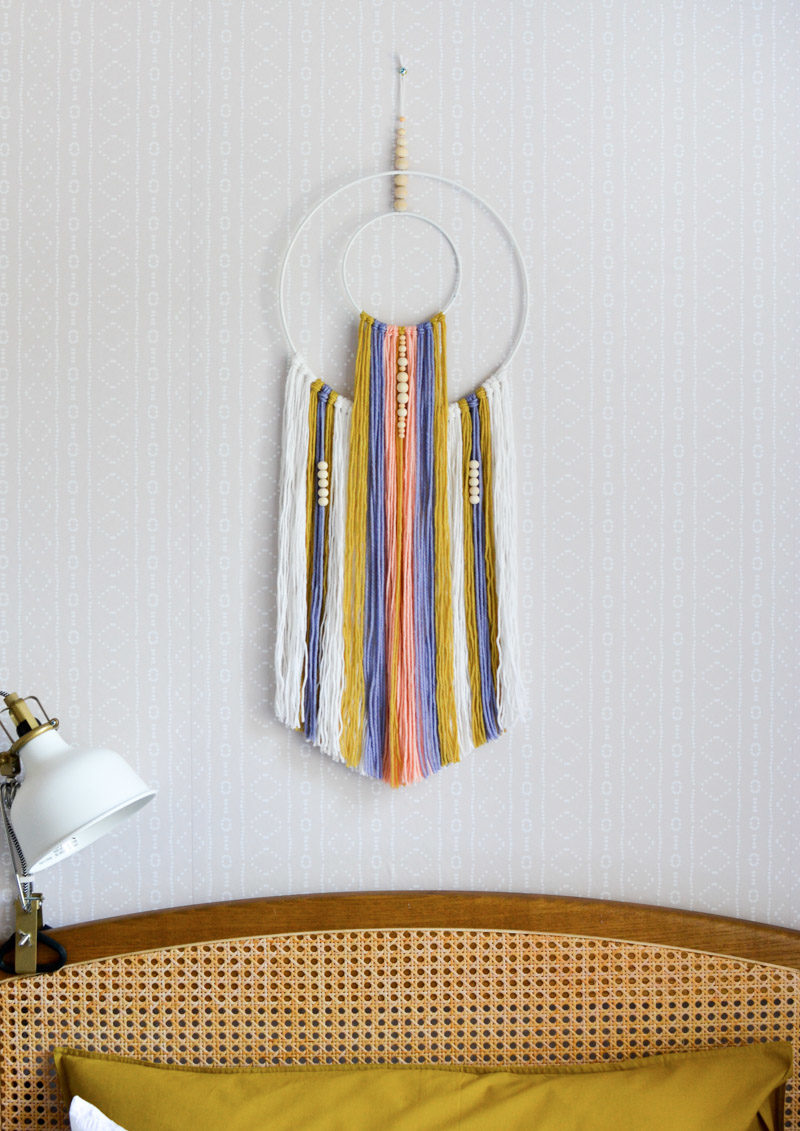 Global boho kids room makeover - DIY wall hanging