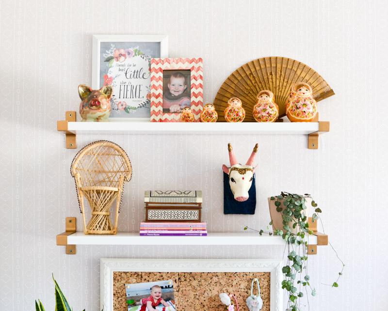 Global boho kids bedroom makeover - Ikea Ekby shelving + DIY gold brackets
